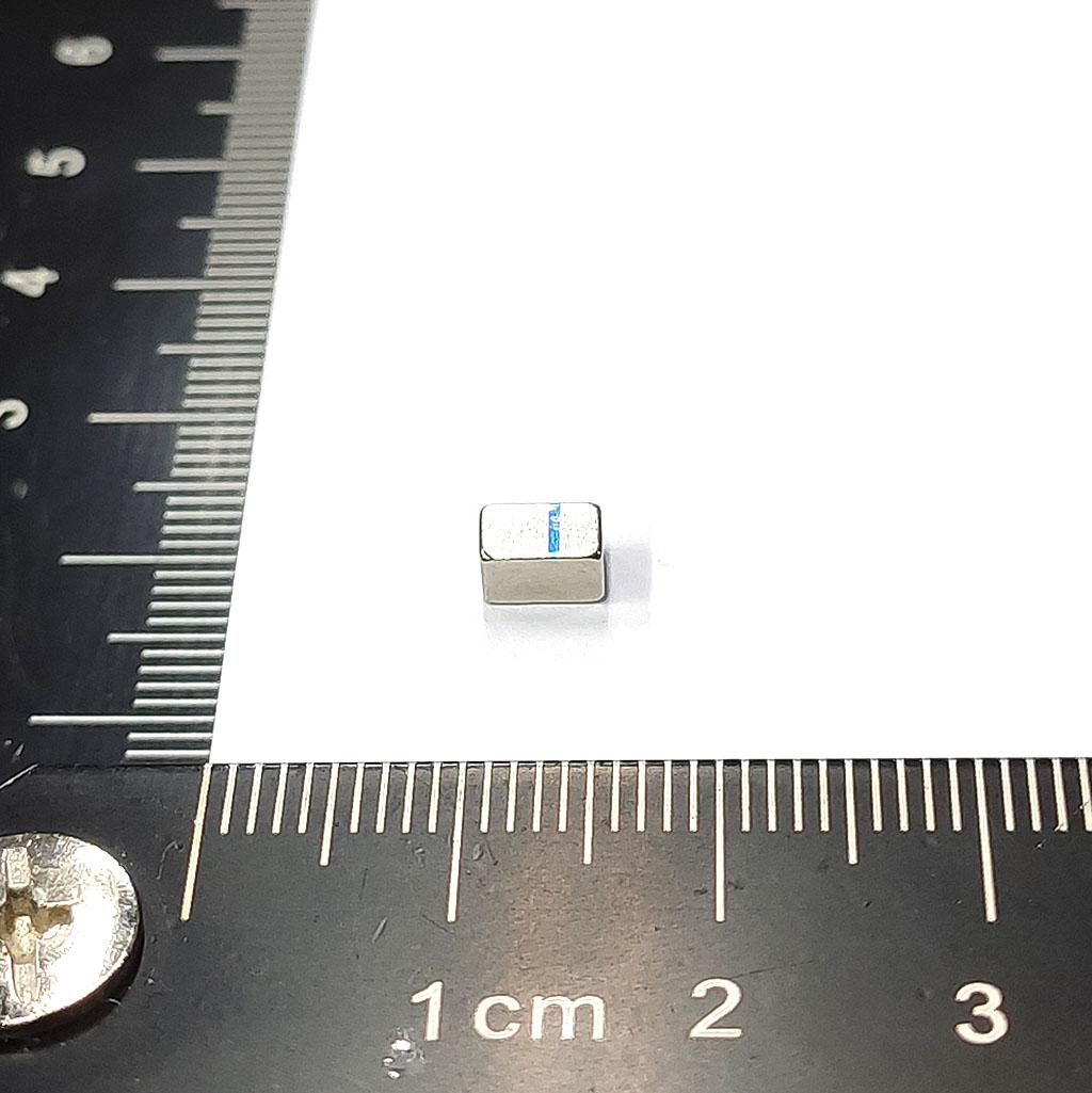 超強釹鐵硼磁鐵-L5.2x3.4x2.7-ND45-N畫線記號
