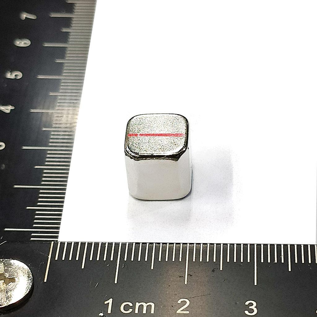 超強釹鐵硼磁鐵-L10x10x10-ND50-四角C1.5-N紅線