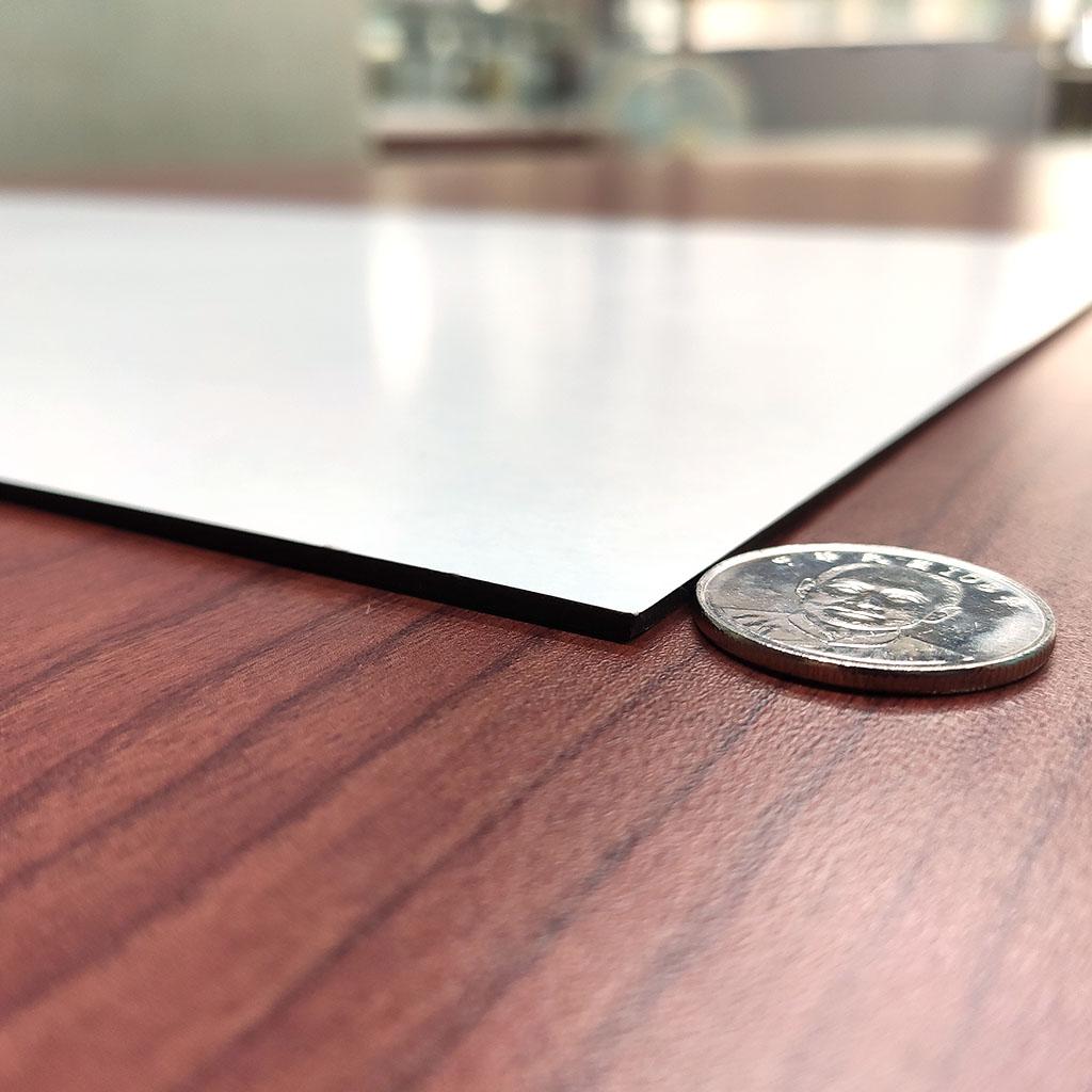 軟性橡膠磁鐵-L600x300x2+TAPE-RM1